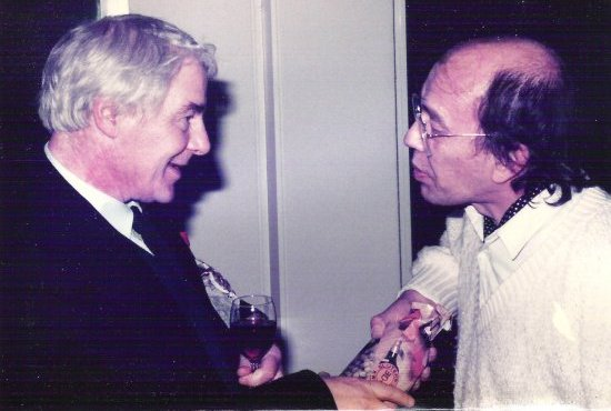 Lucebert en Rudy Cornets de Groot in het Letterkundig Museum, 1983.